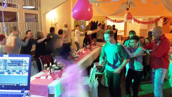 Hochzeit-Diskjockey-Thüringen-Tambach-Dietharz-Ahorn-Pressig-Bad Liebenstein-Seßlach-Steinach-Tabarz-Trusetal-Tiefenort-DJ Gehren-DJ Ilmtal-DJ Kranichfeld